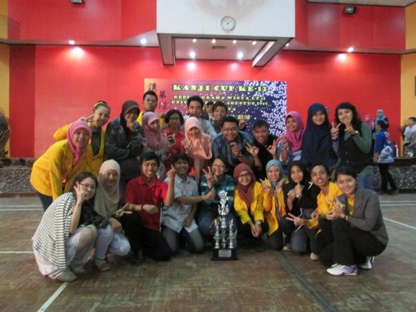 Tim Kanji Cup ke-12 UNNES di UNTAG Surabaya